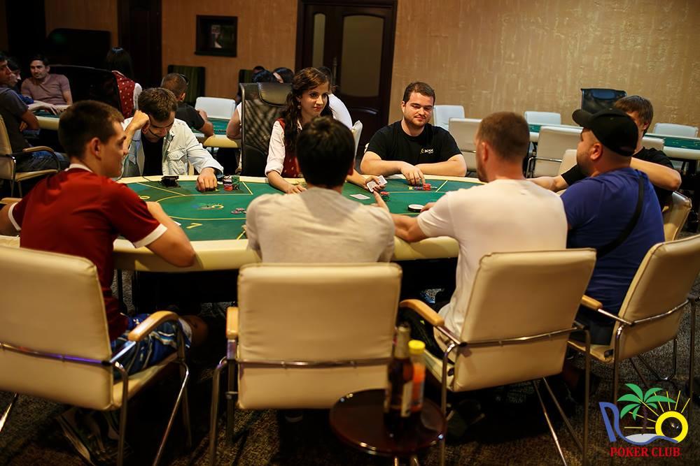 Игровые автоматы 2012 в молдавии можно ли действительно заработать в интернете играя в казино